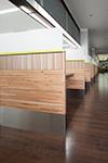 地域材納品事例・佐賀市役所1階ロビーのパーテーション